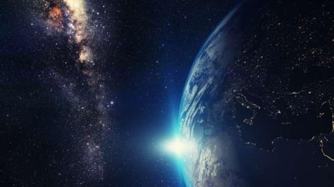 Mungkinkah Kilatan Cahaya Kosmik Misterius Menjadi Kekuatan Pesawat Luar Angkasa Alien?